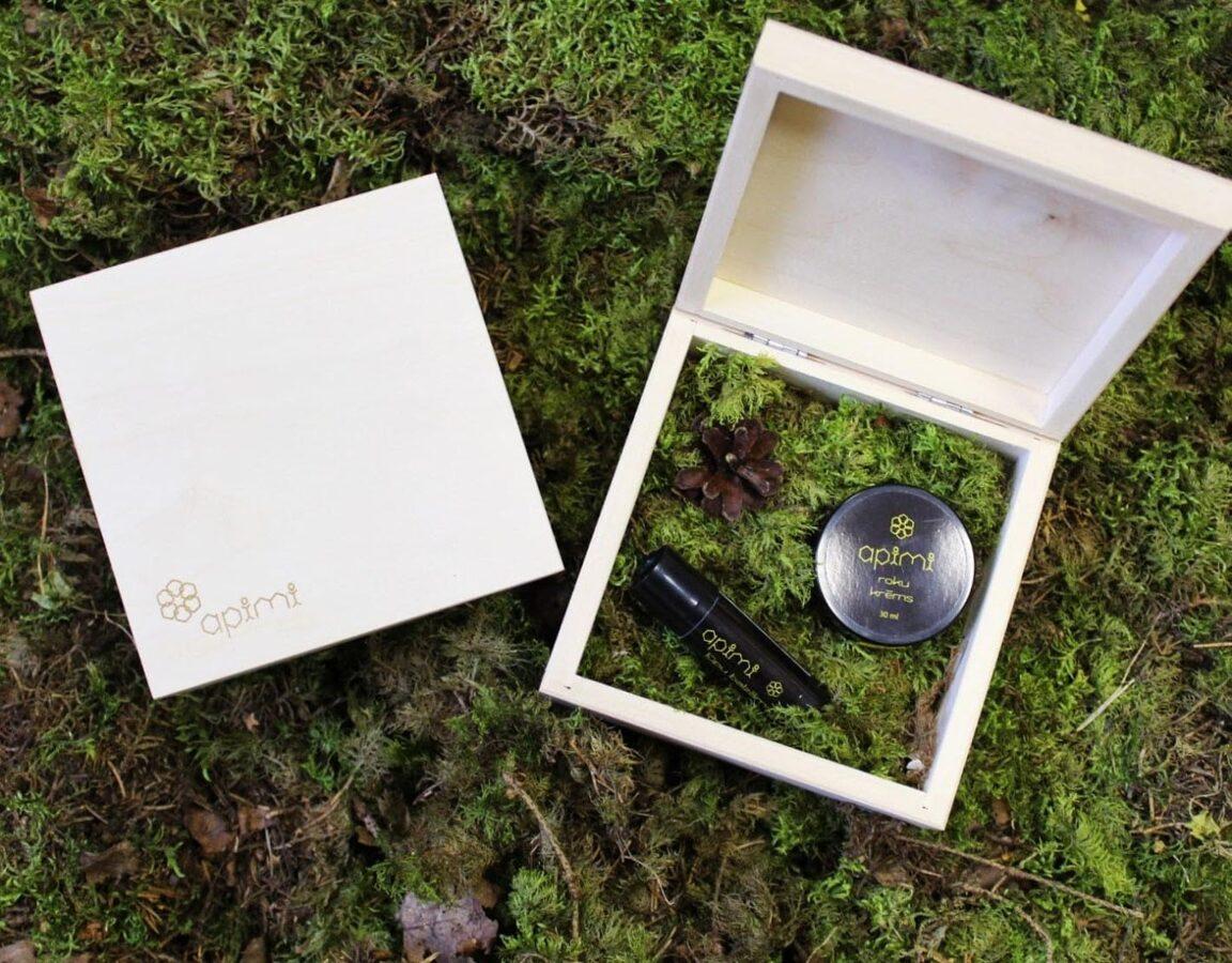 Vidēja koka kaste - kvadrāts  130x130x60 mm /ZSKK169/