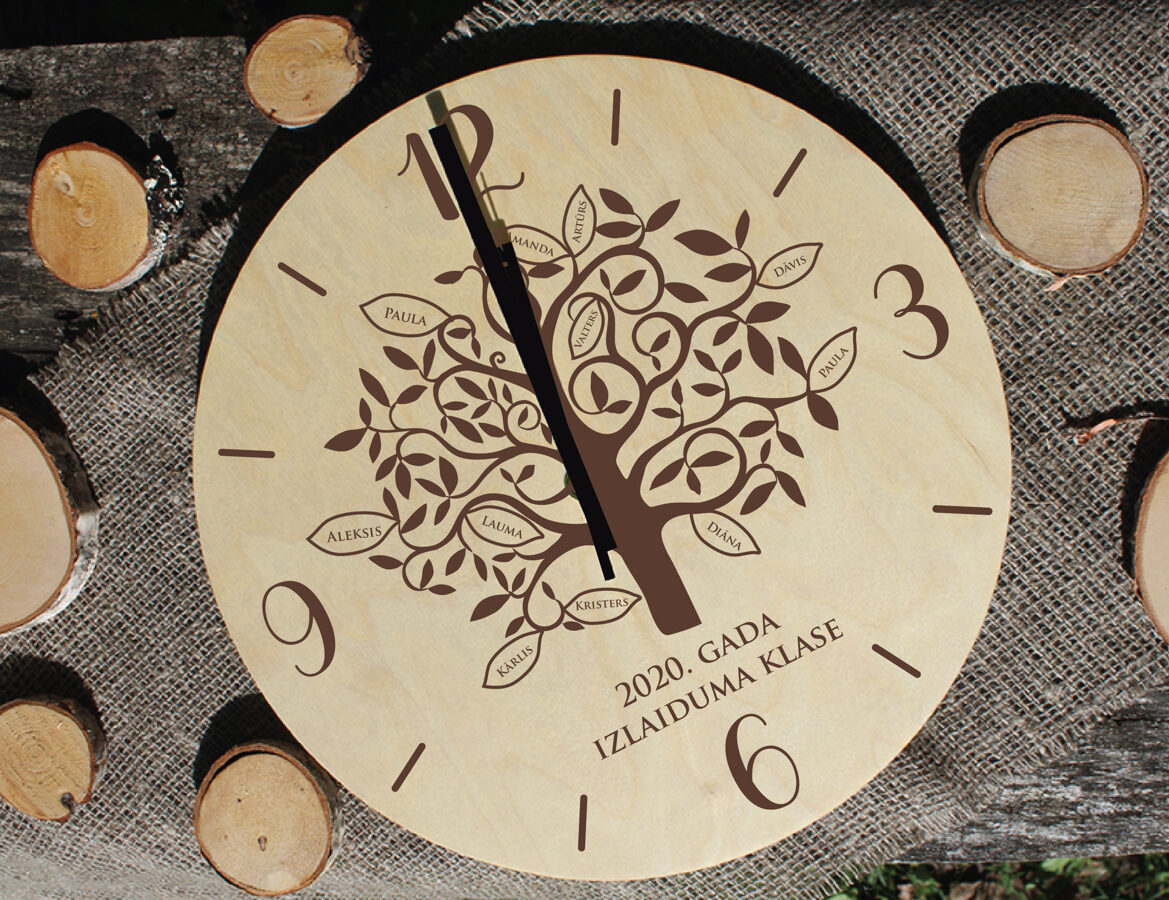 Koka pulkstenis ar gravējumu - Atmiņu koks