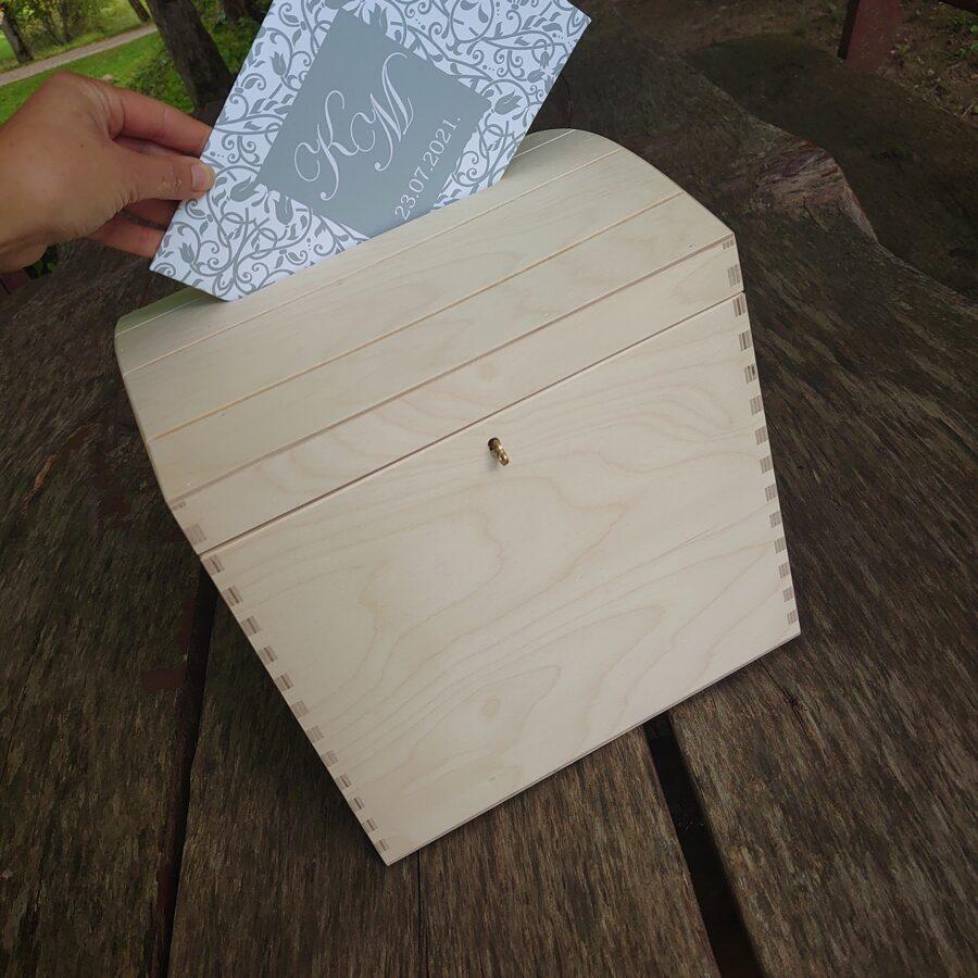 Koka kaste dāvanu aploksnēm ar atslēdziņu /ZSKK242/