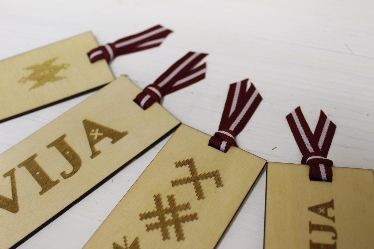 Koka grāmatzīme ar gravējumu - Latvija /ZSG/