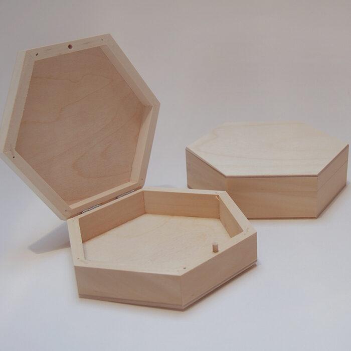 Vidēja medus šūnas koka kaste 190x165x50 mm /ZSKK140/