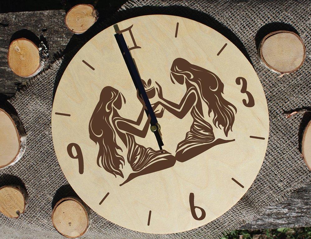 Koka pulkstenis ar gravējumu - Horoskops