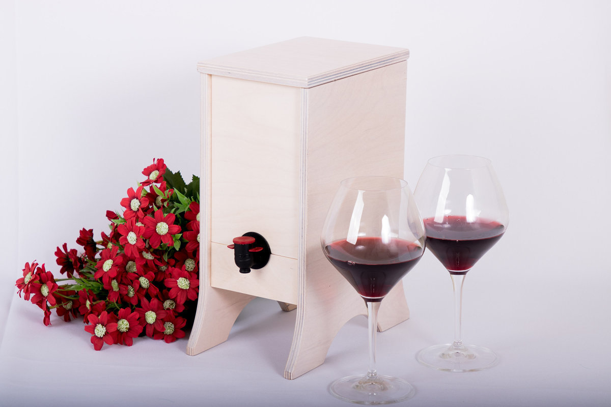 Koka kaste vīnam vai sulas pakām (3 litru tilpumam)