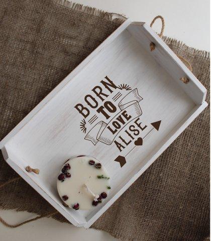 Koka paplāte ar gravējumu - Born to love