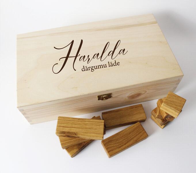 Vectēva ozolkoka kluči koka kastītē ar bērna vārdiņu