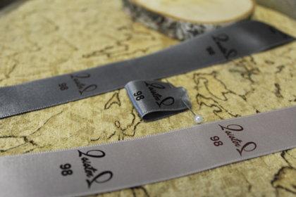 Apģērbu etiķetes ar Jūsu dizainu