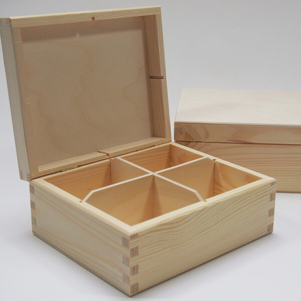 Koka kaste ar 4 nodalījumiem bez aizdarītes 180x155x78mm /ZSKK29/
